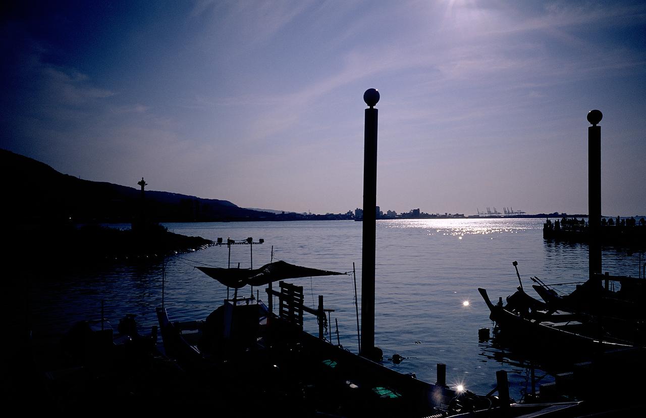 Into the light - Shot on Fuji Velvia 50 (RVP50) at EI 50.  Color reversal (slide) film in 35mm format.