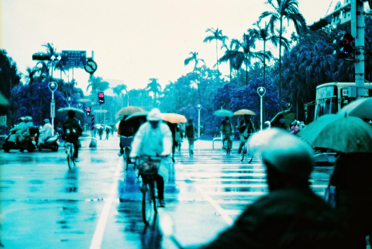 Rainy days, rainy haze - Shot on Lomography Lomochrome Purple XR 100-400 at EI 400. Color negative film in 35mmformat